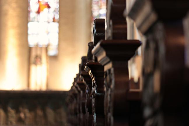 church-pews-2401405_1920