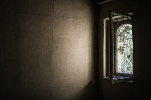 window-1533513_1920